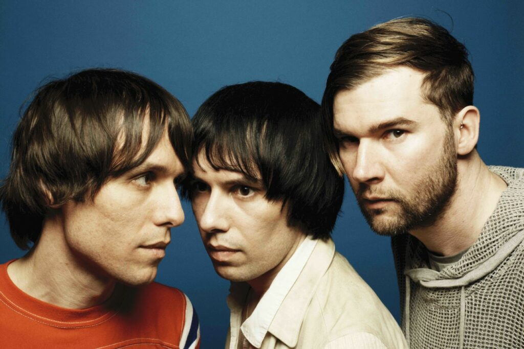"Nieuwe single The Cribs – ""Running Into You"""