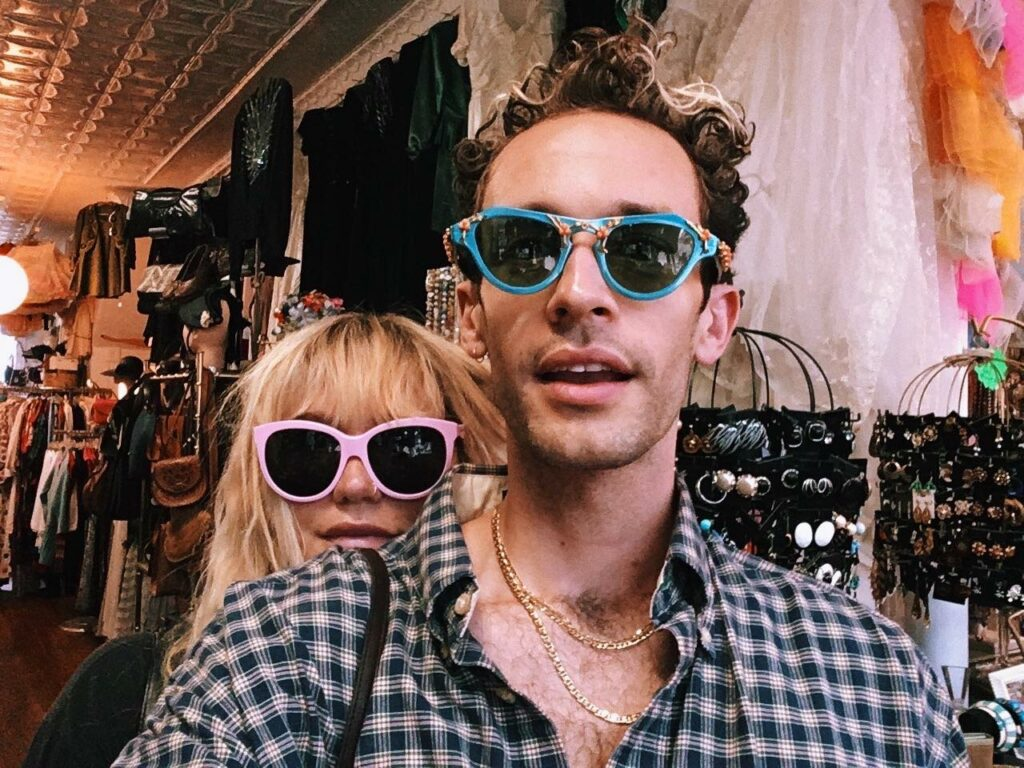 "Nieuwe single Wrabel & Kesha – ""since i was young"""